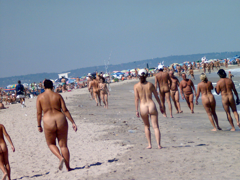 A Guide To Ireland's Nudist Beaches And Nine Places Naturists Can Sunbathe In The Nip